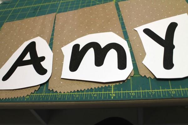 """""""Baby Namensschild"""" - Stampin´ Up! Artisan DesignTeam BlogHop 16.04.2015 - Türschild mit """"Geschenktüten schnelle Überraschung Polka Dot"""" und Stempelset """"Mum´s love"""" Detailbild06"""