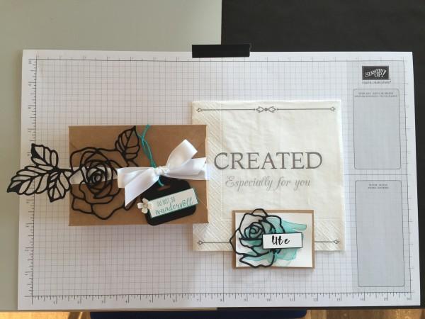Teamtreffen April 2016 Team Goodies Geschenke Verpackung und Namensschild mit Thinlits Rosengarten