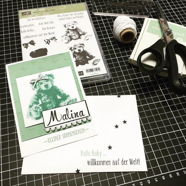 Stampin' Up! Babykarte minzmakrone Teddybär und Stempelset Brushwork Alphabet und Prägefolder Funkelsterne